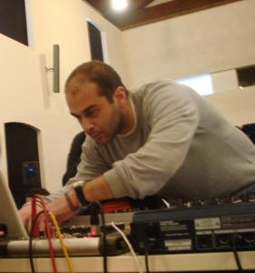 Panos_Performing_Corfu